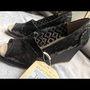 Toms Black Sequence Wedges